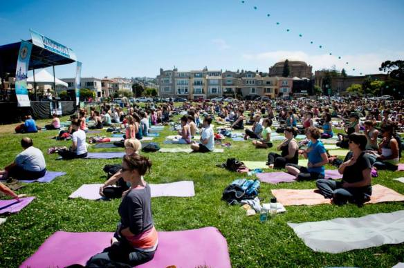 Wanderlust Yoga in the City, San Francisco. Photo by Alex Wang